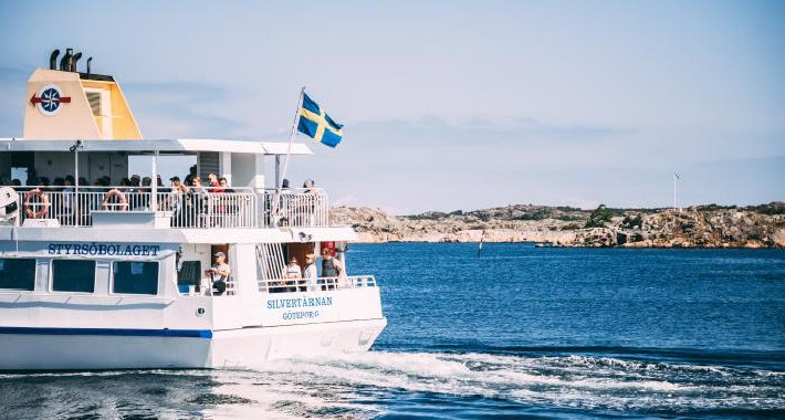 A ferry to the Islands